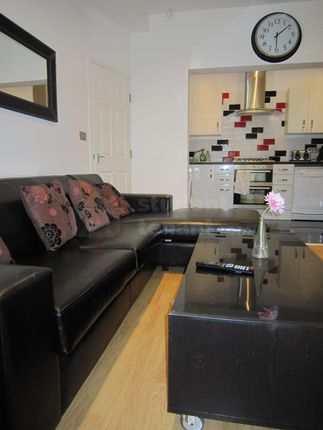 Thumbnail Shared accommodation to rent in Albion Road, Manchester, Greater Manchester