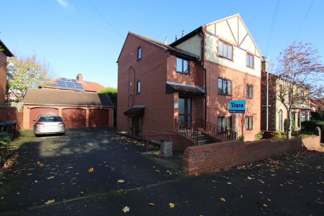 Thumbnail Flat to rent in Kensington Road, Barnsley