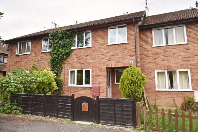 2 bed terraced house to rent in Thumwood, Chineham, Basingstoke RG24