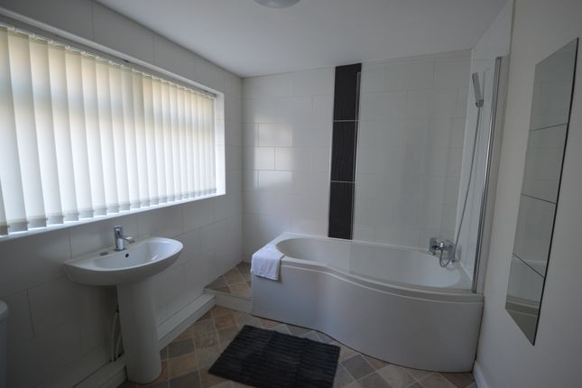 Bathroom of Victoria Road, Middlesbrough TS1