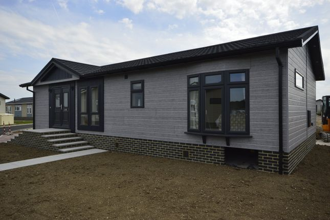Thumbnail Bungalow for sale in Peninsula Crescent, Hoo, Rochester, Kent