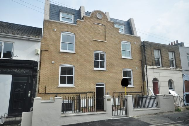 Thumbnail Flat to rent in Parrock Street, Gravesend