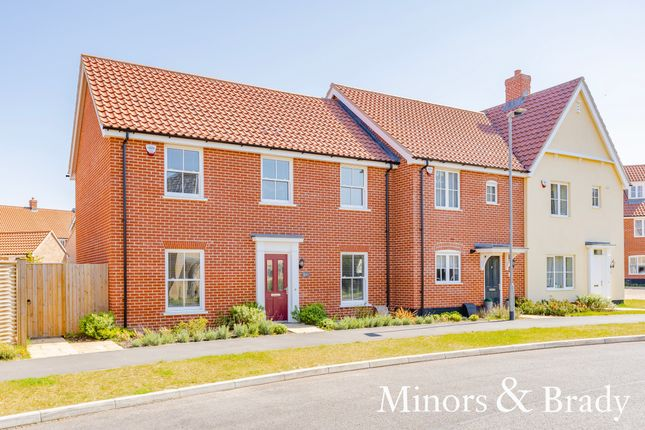3 bed end terrace house for sale in Hornbeam Road, North Walsham NR28
