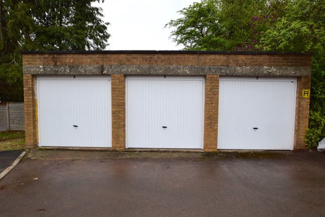 Walnut Drive Garage, Yate, Bristol BS37