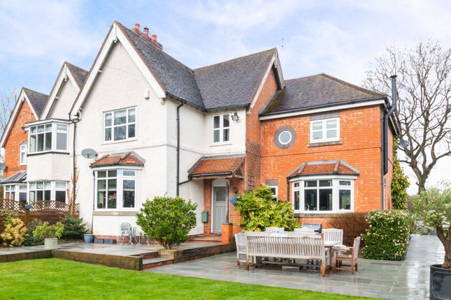 Thumbnail Cottage for sale in Old Warwick Road, Lapworth, Solihull
