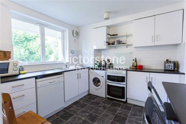 3 bed flat to rent in Plender Street, Camden, London