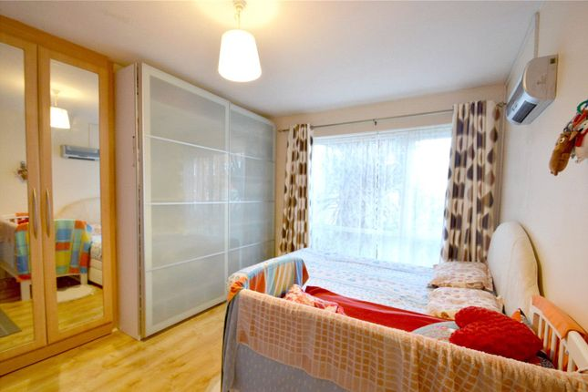 Picture No. 09 of Edgecumbe Court, Ashburton Road, Croydon CR0