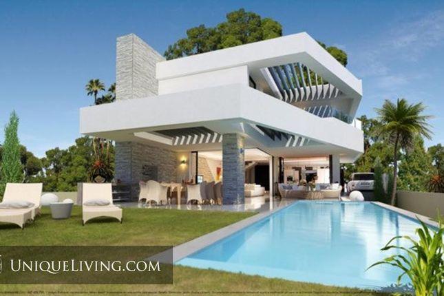4 bed villa for sale in Los Flamingos Golf, Benahavis, Costa Del Sol