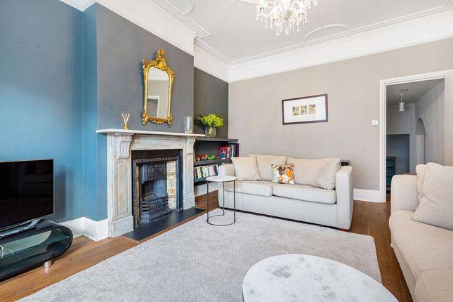 2 bed flat for sale in Louisville Road, London SW17