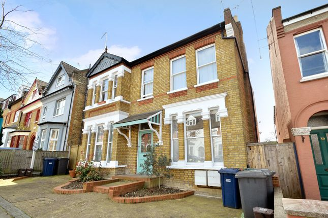 Thumbnail Flat for sale in Elm Park Road, Finchley Central