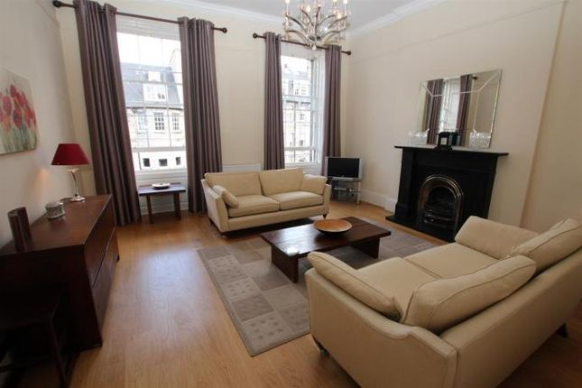 Thumbnail Flat to rent in North Castle Street, Edinburgh