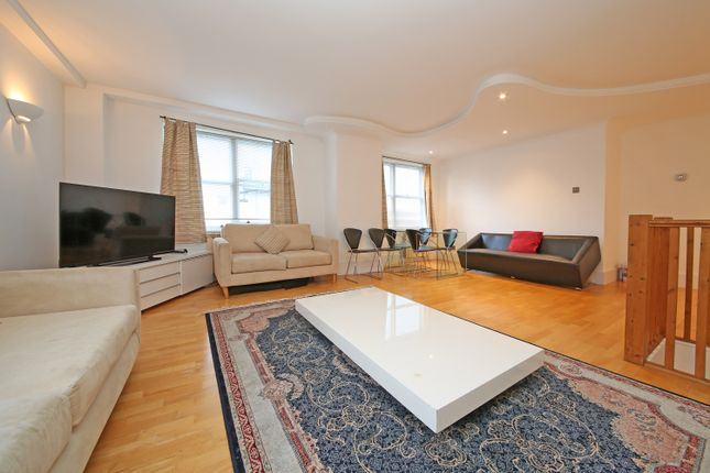2 bed flat to rent in Queen's Gate, London