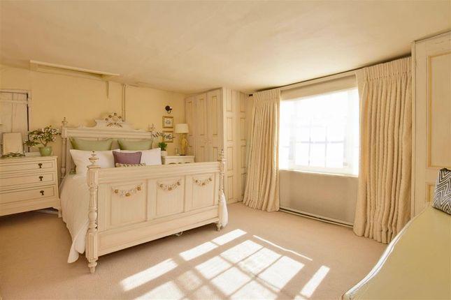 Bedroom 2 of High Street, Tenterden, Kent TN30