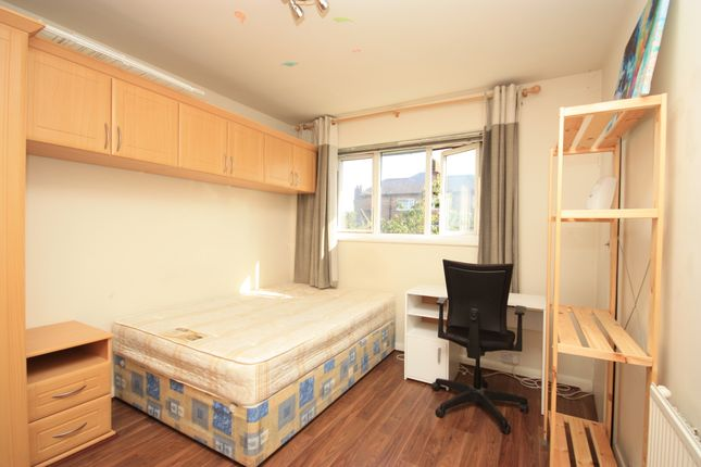 Thumbnail Room to rent in Templemead Close, East Acton