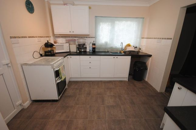 Photo 4 of Seabrook Avenue, Exeter EX2