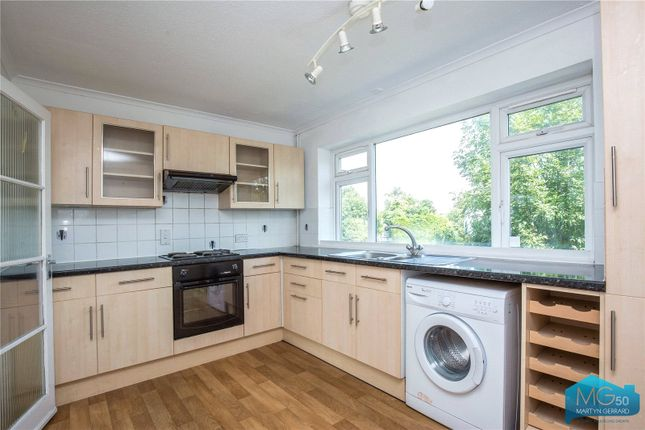 Thumbnail Maisonette to rent in Willenhall Court, Great North Road, New Barnet, Barnet