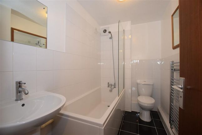 Thumbnail Flat for sale in Homefield Park, Sutton, Surrey