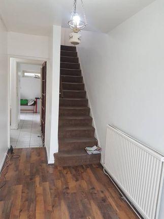Thumbnail Room to rent in White Horse Lane, London