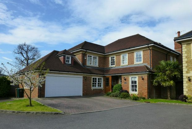 Thumbnail Detached house for sale in St. Martins, Batchworth Lane, Northwood