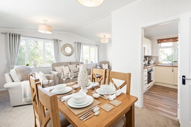Thumbnail Mobile/park home for sale in Skinburness Drive, Cumbria