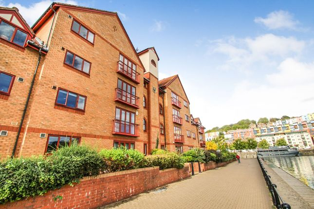Thumbnail Flat for sale in Cumberland Close, Bristol