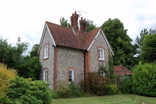 Thumbnail Cottage to rent in King Street, Odiham, Hook