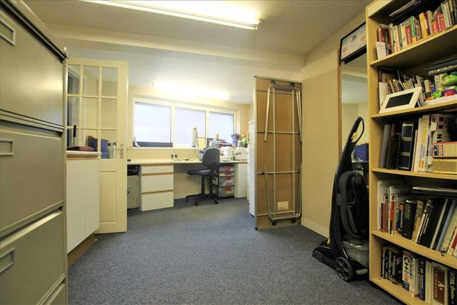 Basement Room of Treorchy CF42