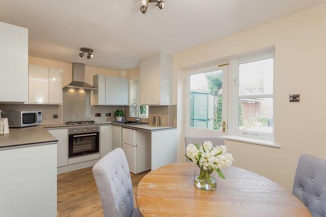 Thumbnail Flat to rent in Fallow Court, Argyle Way, London