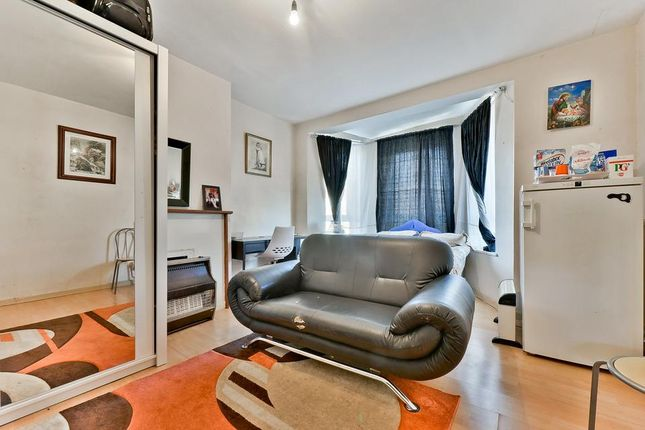 4 bed flat for sale in Dorset Road, London