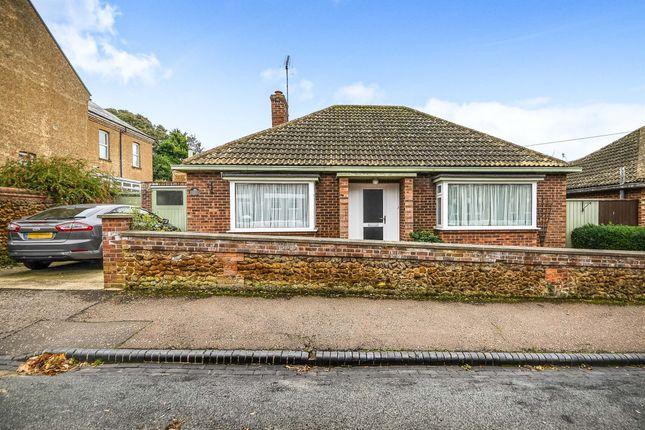 Thumbnail Detached bungalow for sale in Avenue Road, Hunstanton