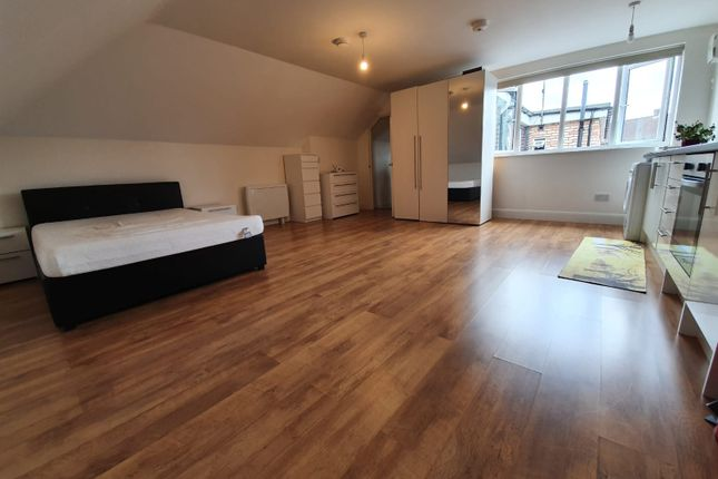 Studio Area of Chase Side, London N14