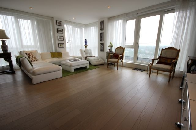 Thumbnail Flat to rent in Skyline House, Dickens Yard, Longfield Avenue, London