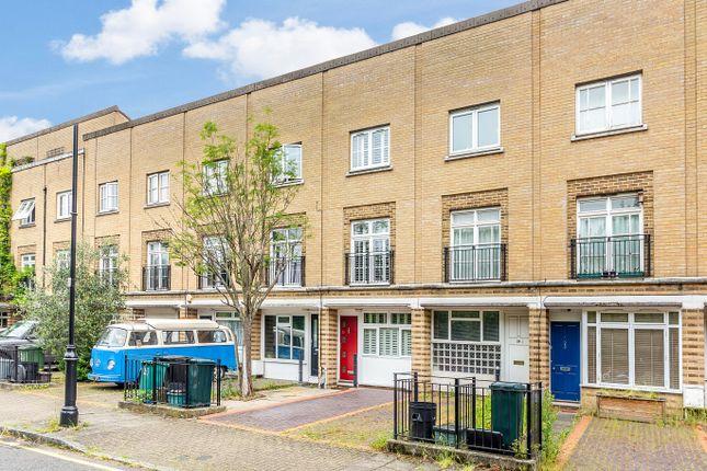 Thumbnail Detached house for sale in Parkside Crescent, London