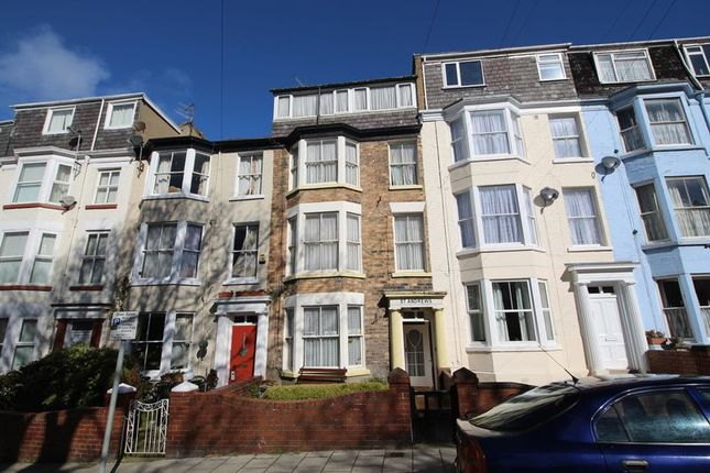 Thumbnail Commercial property for sale in Trafalgar Square, Scarborough
