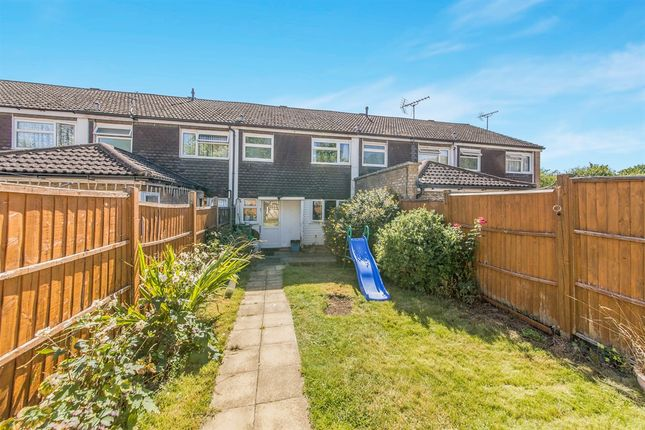 Thumbnail Terraced house for sale in Swanstand, Letchworth Garden City