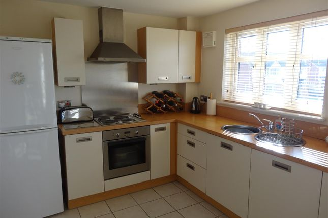 Thumbnail Flat to rent in Rollesby Gardens, St. Helens