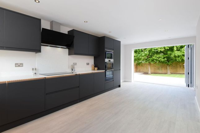 Kitchen/Dining Room With Bi-Folding Doors
