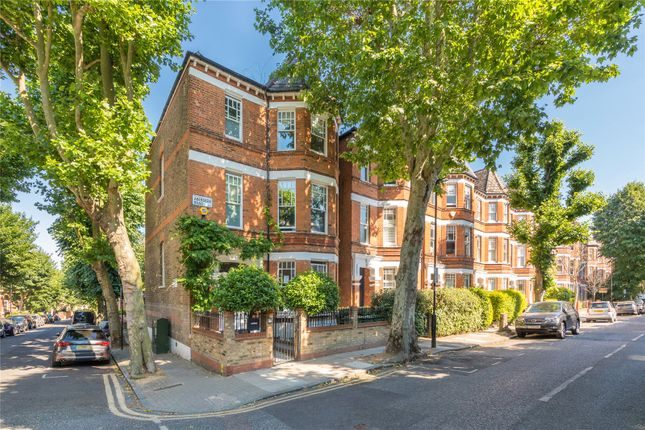 Thumbnail Terraced house for sale in Aberdeen Road, Highbury, London