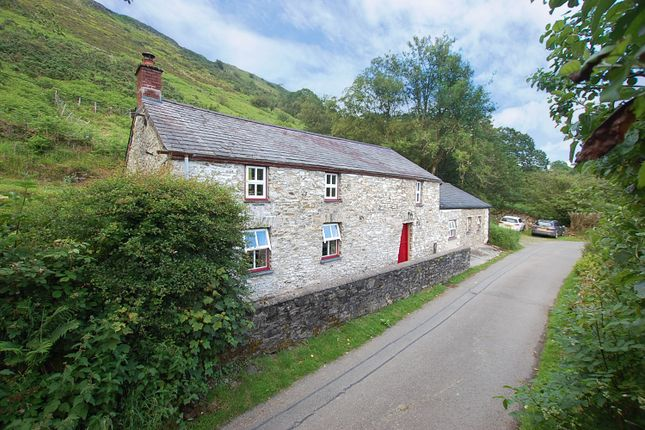 Thumbnail Cottage for sale in Ffarmers, Llanwrda