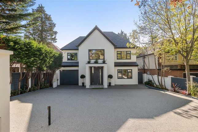 Thumbnail Detached house for sale in Barnet Road, Arkley, Hertfordshire