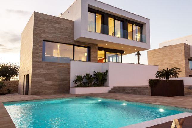 Thumbnail Villa for sale in Calle Lila Nº 1, Torre De La Horadada, Alicante, Valencia, Spain