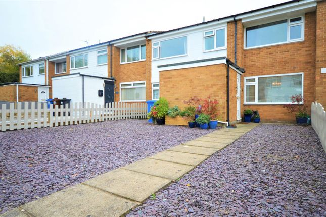 4 bed terraced house to rent in Willow Avenue, Cheadle Hulme, Cheadle SK8