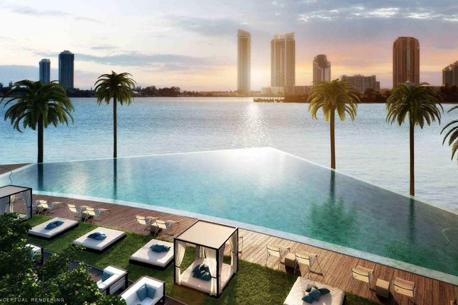 Swimming Pool Infinity Edge Sun Terrace Bay View Ocean Sea Echo Aventura Miami Florida