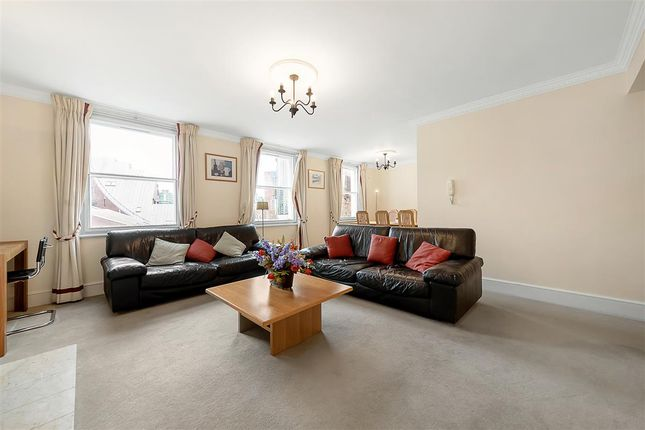 Thumbnail Flat for sale in Lindsay Square, London