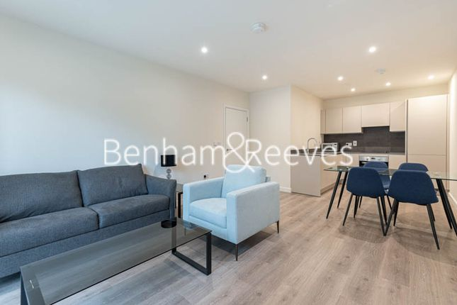 Thumbnail Flat to rent in Yarrow Apartments, Mill Hill East