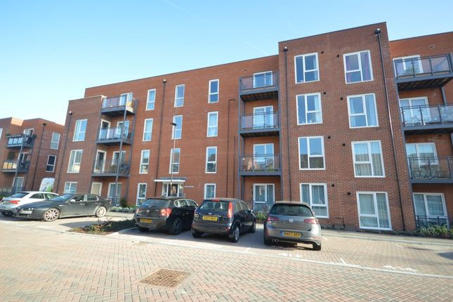 Thumbnail Flat to rent in Robertson Way, Basington, Basingstoke