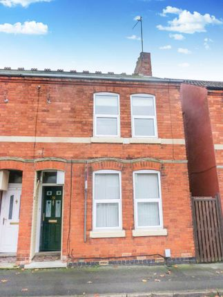 2 bed terraced house to rent in Robinson Road, Rushden, Northamptonshire NN10