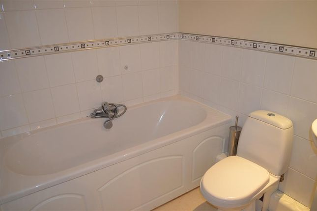 Bathroom of Huddersfield Road, Liversedge WF15