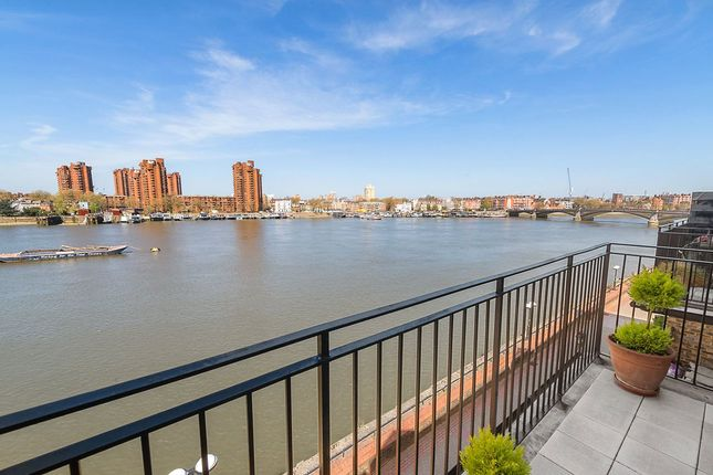 Thumbnail Maisonette for sale in Thorney Crescent, Battersea, London