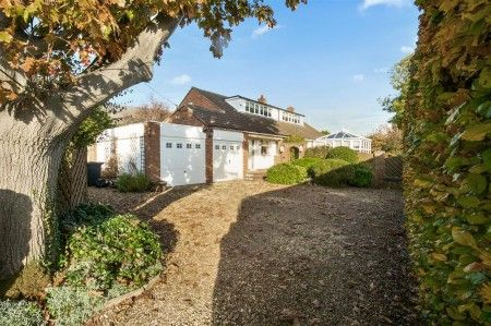 Thumbnail Detached bungalow for sale in New Street, Earls Barton, Northampton